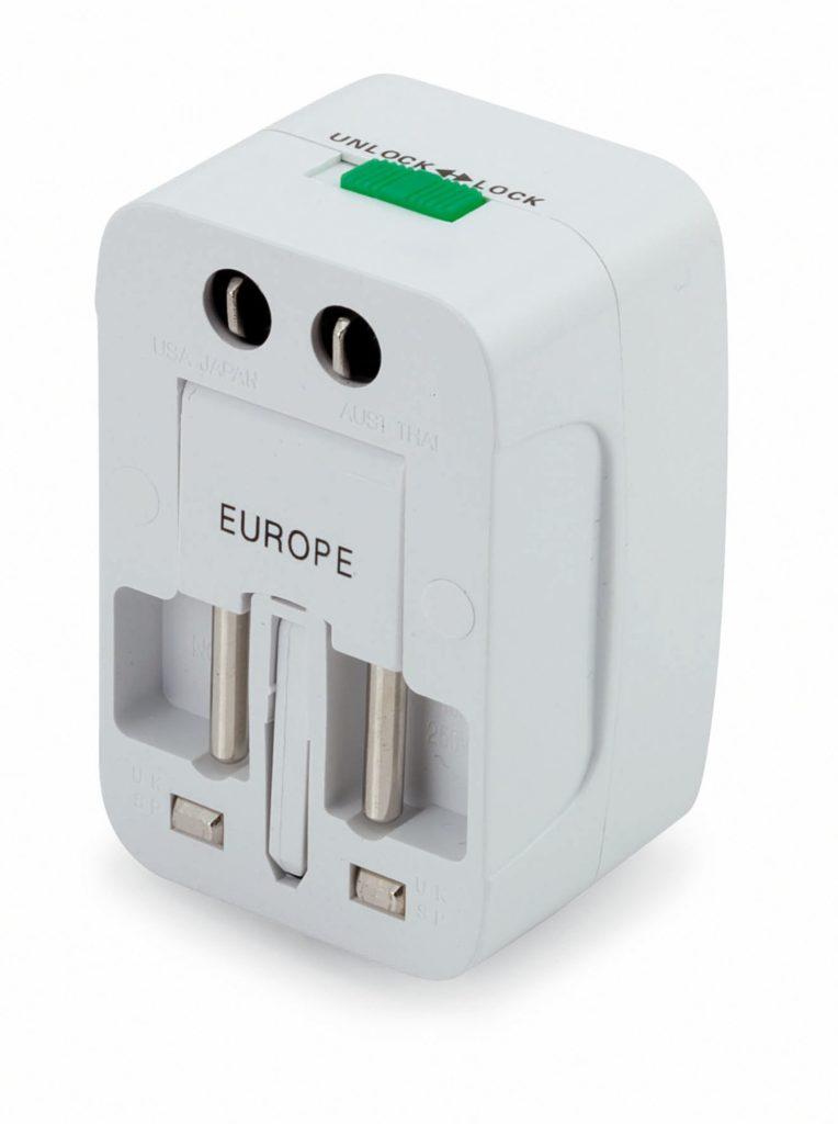 Универсальный переходник для розеток Plug In